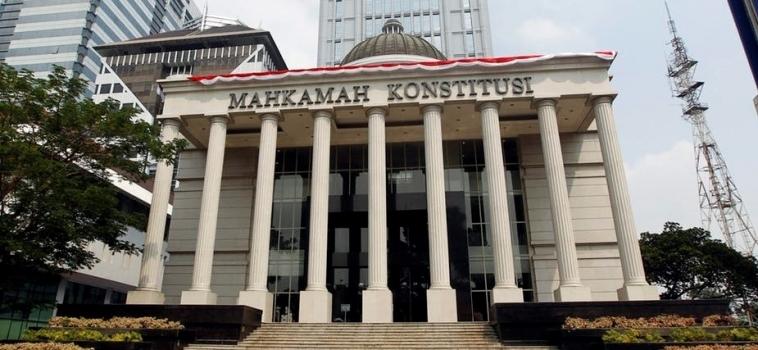 Indonésie : la Cour constitutionnelle refuse de pénaliser les relations hors mariage
