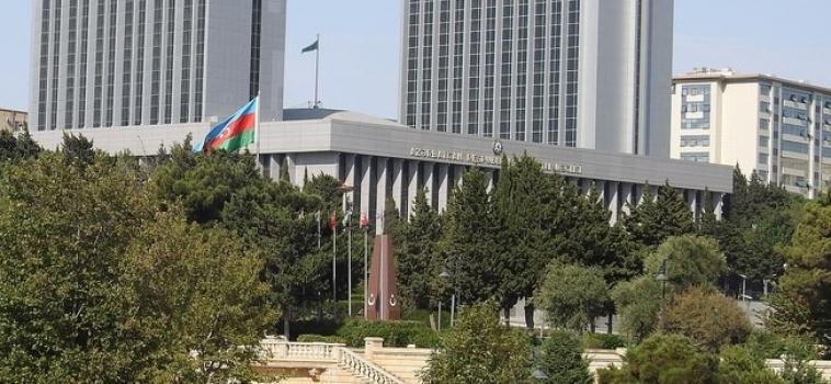 Azerbaïdjan : le pouvoir politique prend le contrôle des avocats