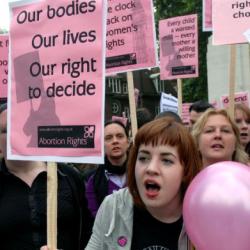 Le juge fédéral du Texas juge inconstitutionnelle une loi limitant l'avortement